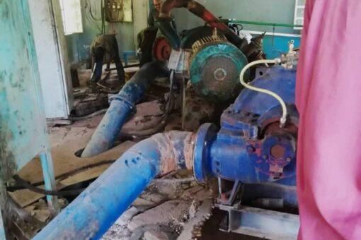 والي الجزيرة يُقر بتدني كفاءة محطة مياه مدني