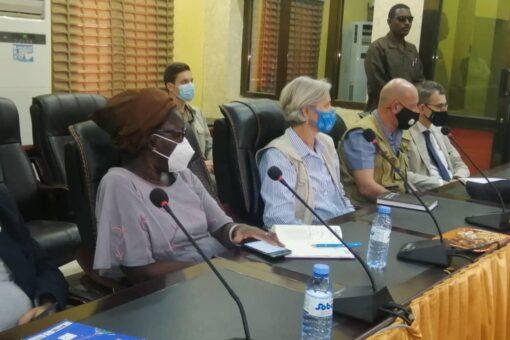 موسى مهدي يؤكد إلتزام حكومتة حماية المدنيين