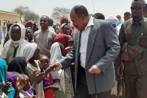 والي جنوب دارفور يشهد إفتتاح مدرسةبقرية كيلا للعودة طوعية