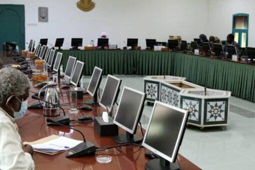 لجنة قضايا المفصولين تعسفياً تنظر في قضية المعلمين المفصولين