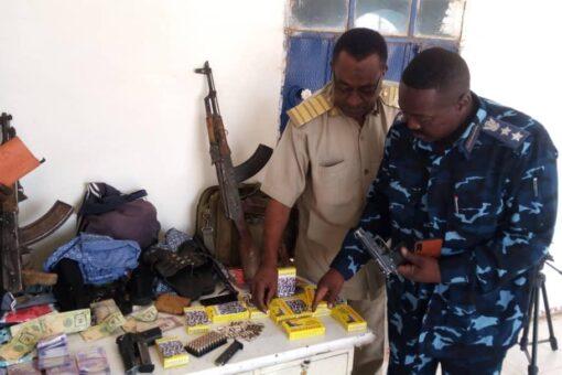 القوات المشتركة بشرطة محلية نيالا تضبط أسلحة ومنهوبات