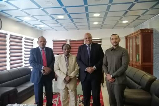 وزير الاستثمار يلتقي برجال الأعمال بحزب المؤتمر السوداني