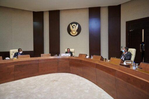 حمدوك يؤكد قدرة الحكومة على حماية المدنيين بإقليم دارفور