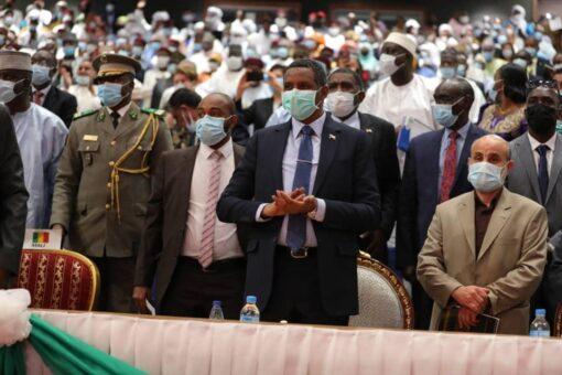 دقلو يشارك في تنصيب محمد بازوم رئيساً لدولة النيجر
