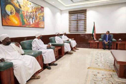 حمدوك يؤكد دعم الادارات الاهلية لتحقيق الإستقرار والسلام المجتمعي