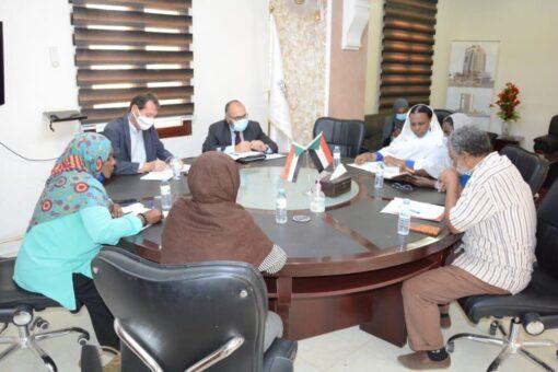 وزيرة العمل تستعرض مع السفير الايطالي مشروعات وخطط الوزارة