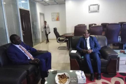 وزير الاستثمار يؤكد حرص الحكومة على التعاون مع جنوب السودان
