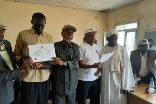 والي شرق دارفور يشهد تخريج مهندسين لادارة مشروع الطاقة الشمسية