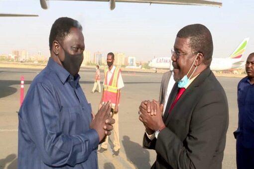 نائب رئيس جمهورية جنوب السودان يصل البلاد