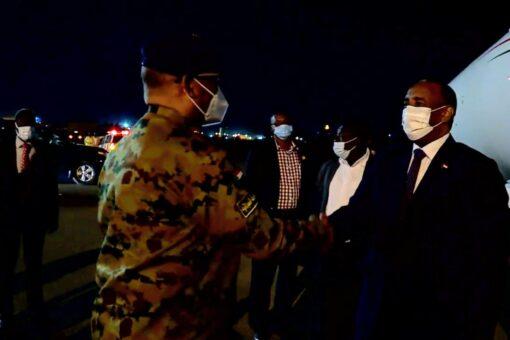 رئيس مجلس السيادة يعود للبلاد بعد زيارة ناجحة قطر