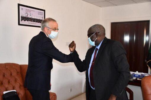 وزير التنمية الاجتماعيّة يلتقي بالسفير البريطانيّ