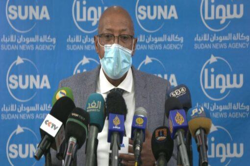وزير الصحة: الإلتزام بالإشتراطات الصحية ضرورة لتفادي الإغلاق