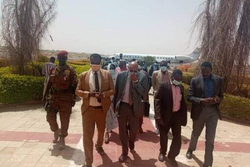 وزير الصحة الاتحادي يصل الفاشر على رأس وفد من وزارته