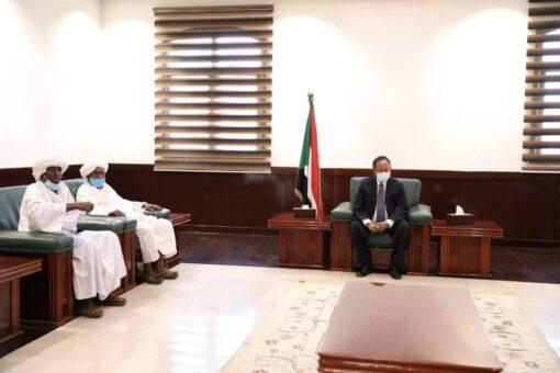 د. حمدوك يلتقى بوفد المعاليا بشرق دارفور