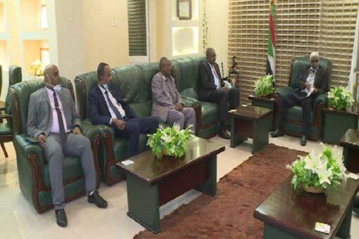 والي كسلا يستقبل وفد رئاسة بنك فيصل الاسلامي السوداني