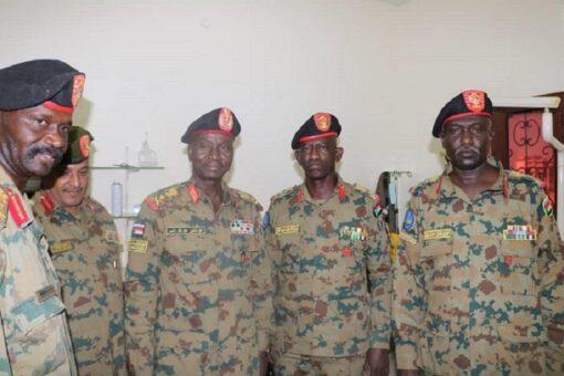 قائد القوات الجوية يفتتح بسنار عدد من المشروعات الخدمية