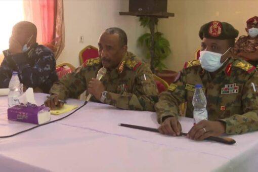 البرهان يؤكد لوفد القبائل العربية بغرب دارفور ترسيخ السلم الاجتماعي
