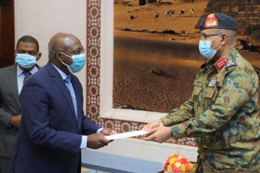 الفريق مهندس إبراهيم جابر يلتقي وزير خارجية أنغولا