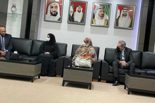 وزيرة الخارجية تزور أكاديمية الامارات الدبلوماسية