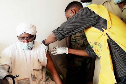 انطلاق حملات تطعيم الكوادر الصحية ضد كورونا بغرب كردفان