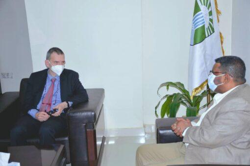 نمر يؤكد إستعداد الولاية للمساعدة في تحقيق مهام المبعوث الأممي