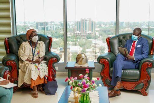 وزير العدل يجتمع مع ممثل هيئة الأمم المتحدة للمرأة