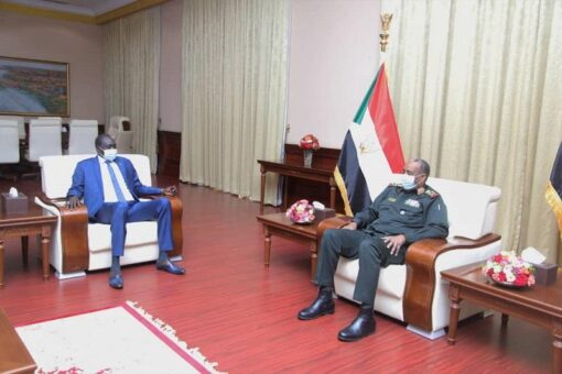 رئيس مجلس السيادة يطلع على نتائج زيارة وفد الوساطة للبلاد
