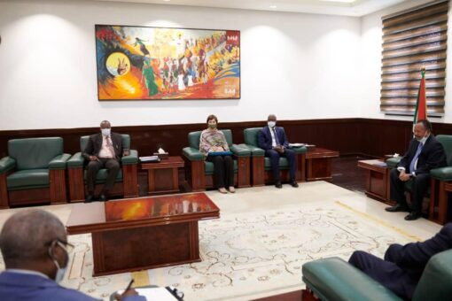 د.حمدوك يُناقش الأولويات التنموية للحكومة مع وفد الوكالة الدولية للتنمية