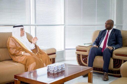 وزير الإتصالات والتحول الرقمي يلتقي سفير المملكة العربية السعودية