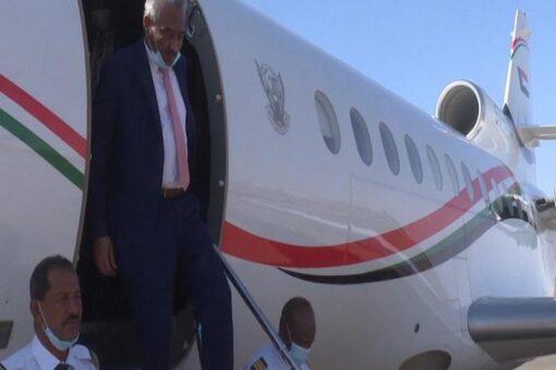 مولانا حسن قاضي يعود للبلاد بعد زيارة رسمية للكنغو