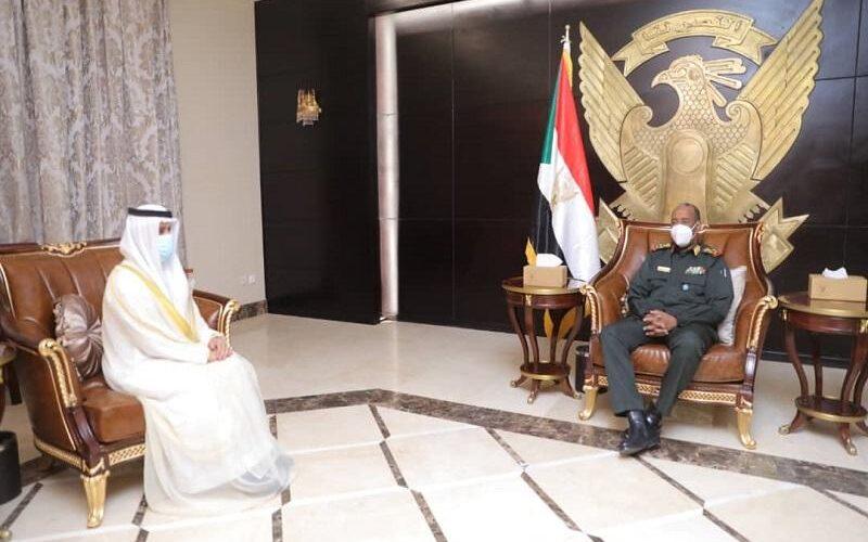 رئيس مجلس السيادة يلتقى سفير الإمارات العربية لدى السودان