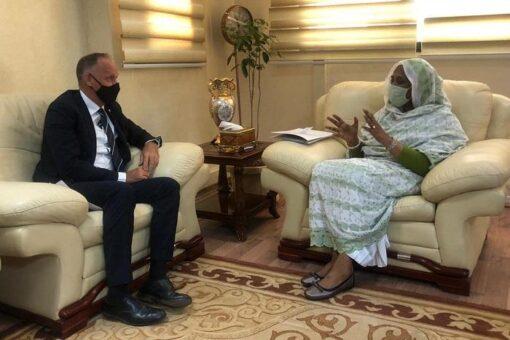 وزيرة الخارجية تلتقي ممثل المفوضية السامية لشؤون اللاجئين