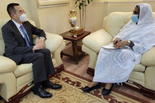 وزيرة الخارجية تلتقي سفير الصين لدى السودان