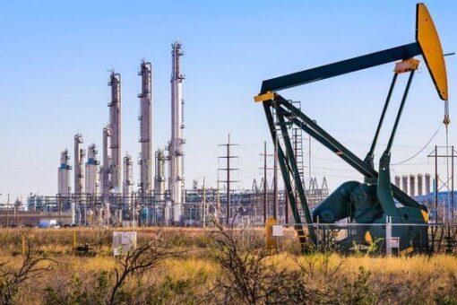 النفط والطاقه: تم طرح عدة مشروعات للاستثمار في مؤتمر باريس