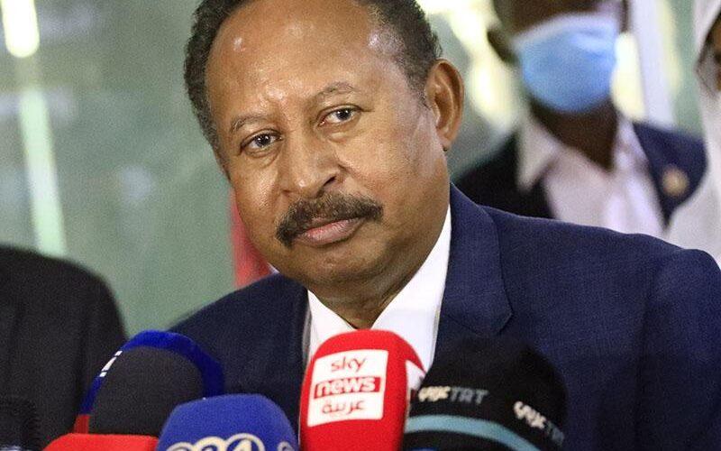 د.حمدوك يُعين مناوي حاكماً لإقليم دارفور