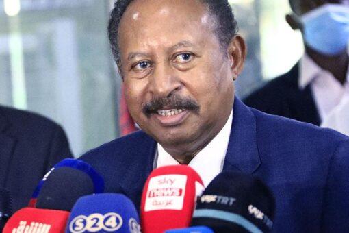 حمدوك يهني المواطنات والمواطنين السودانيين المسيحيين بعيد القيامة