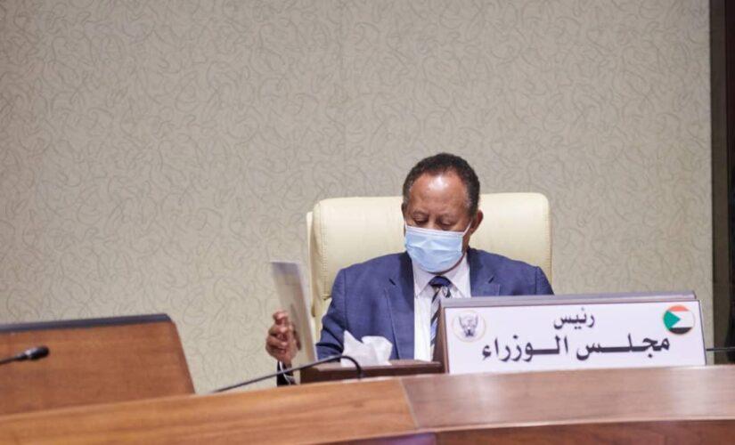 حمدوك يوجه بخطة إسعافية لمعالجة مشكلة المياه بولاية الخرطوم