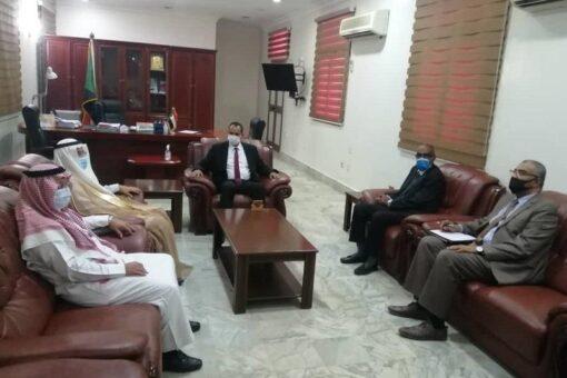 وزير الثقافة والإعلام يلتقي بالسفير السعودي