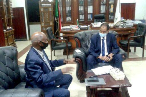 وزير الزراعة يلتقي المدير القطري للفاو