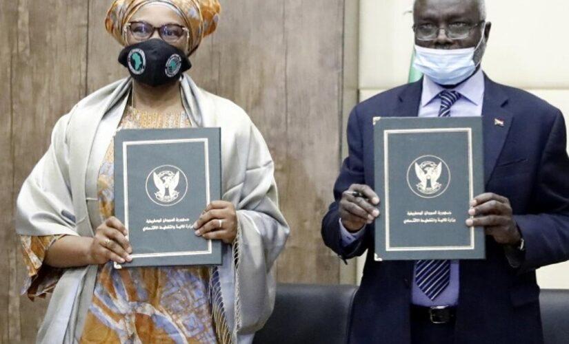 التوقيع على اتفاقية اطفاء متاخرات ديون البنك الافريقي للتنمية