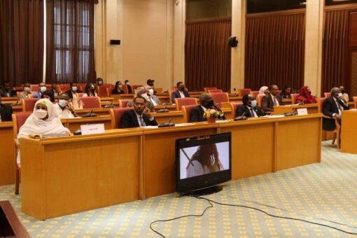 السفير جبير:لاصحة لتذمر فرنسا من كثرة المشاركين في مؤتمر باريس