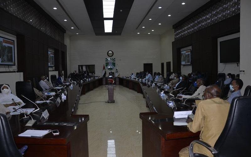 حكومة الخرطوم تقف على التجهيزات للخريف وتصدر عدداً من الموجهات