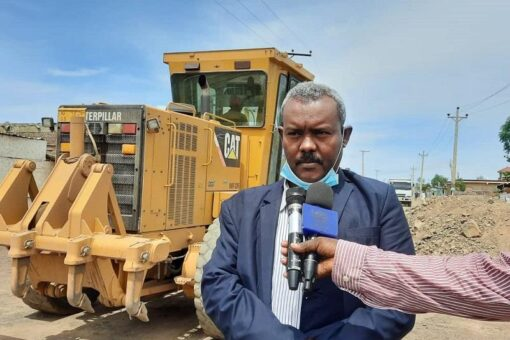 القضارف : إنطلاق أعمال الصيانة ورصف الطرق