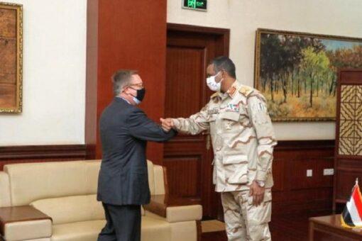 دقلو يؤكد أهمية التنسيق والتعاون مع الولايات المتحدة بكافة المجالات