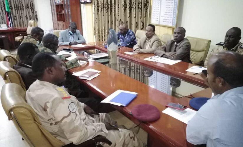 اللجنة الأمينة بالنيل الأزرق تطمئن على استقرار الأوضاع الأمنية بالولاية