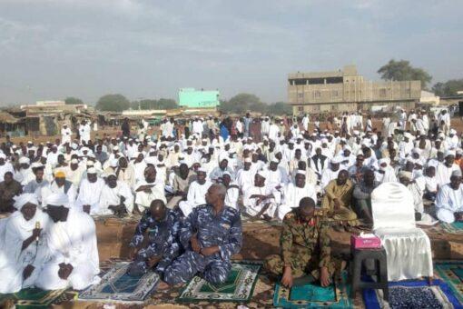 والي غرب دارفور يدعو لتعزيز السلم الاجتماعي بين مكونات الولاية