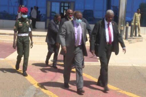 عضو مجلس السيادة ياسر العطا يتوجه الى جيبوتي