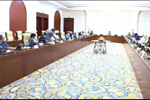 مجلس السيادة يقبل استقالة النائب العام ويعفي رئيسة القضاء