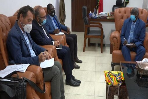 وزير التنمية الاجتماعية يلتقي السفير الإيطالي بالسودان