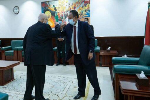 حمدوك يجدد التزام الحكومةالانتقالية بتوفير السند للجنة تحقيق فض الاعتصام